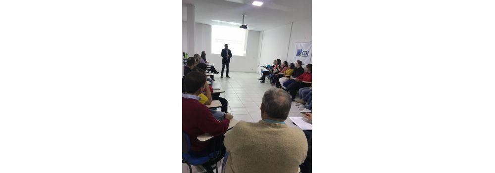 Reunião na CDL de Agrolândia